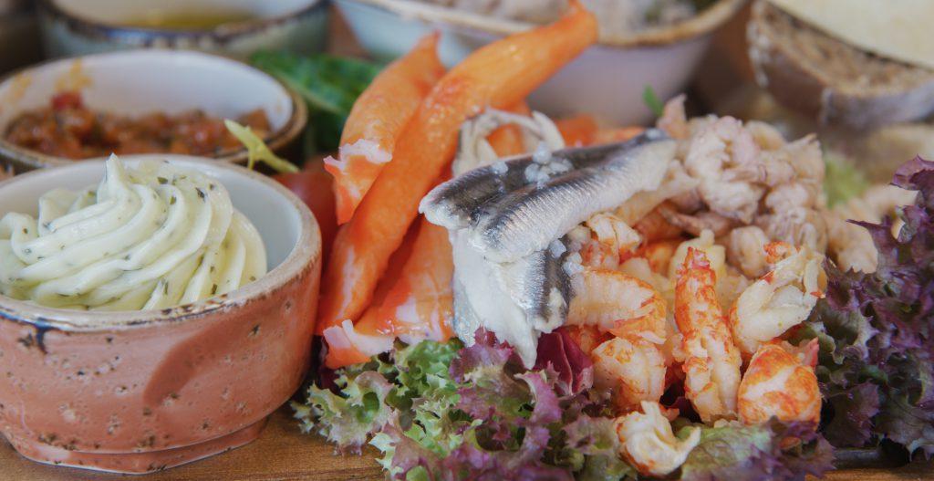 Vis specialiteiten restaurant aan de haven op Texel
